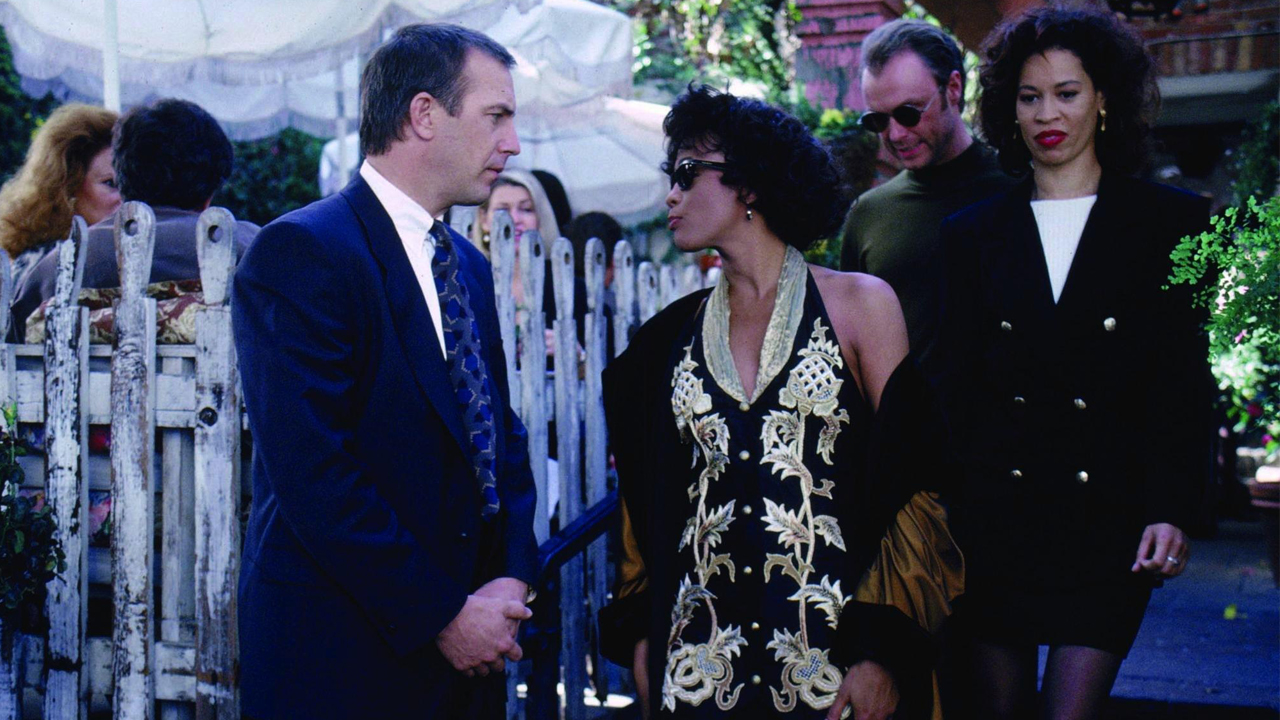 69 The Bodyguard 1992 Cinejour